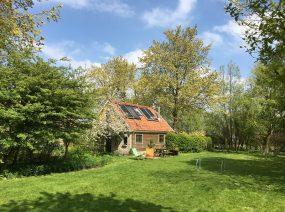 ruim vakantiehuis Friesland met fijn terras op het zuiden