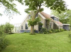 fijn vakantiehuis met grote tuin Lauwersmeer Friesland