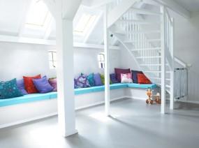 hip vakantiehuis Kollum met kleurrijke kussenhoek