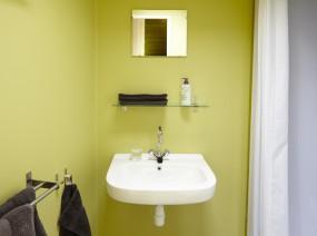 trekkershut luxe badkamer