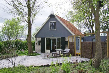 "<font color=""grey"">holiday home</font>"
