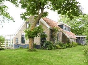 big family house with garden Friesland Netherlands