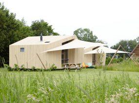 2 families together tiny house Friesland Lauwersmeer Netherlands