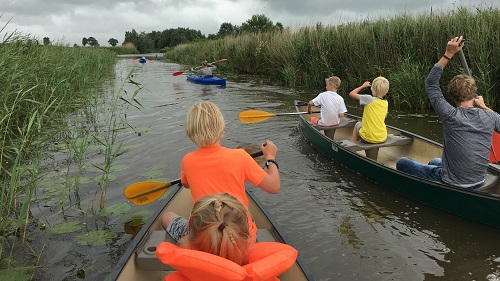 Canoe and kayak camping holiday home groupaccommodation Friesland Netherlands